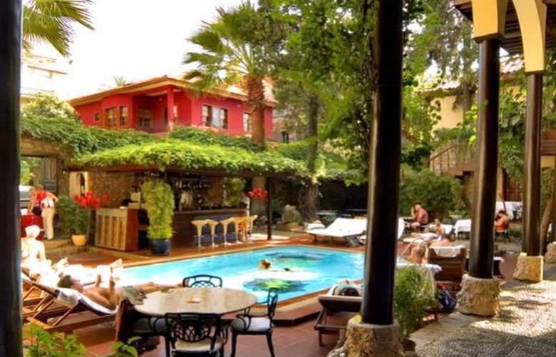 Alp Pasa Hotel - Pool - 42