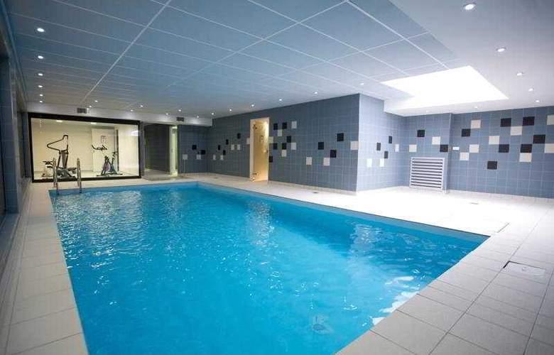 Lagrange City - Pool - 8