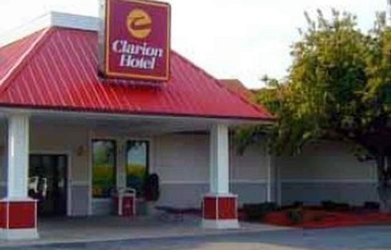 Clarion Hotel Indianapolis - Hotel - 0