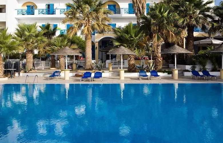 Kamari Beach - Hotel - 2