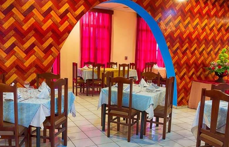 San Alejandro - Restaurant - 8