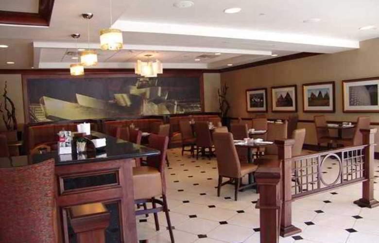 Hilton Garden Inn Columbus/Edinburgh - Hotel - 9