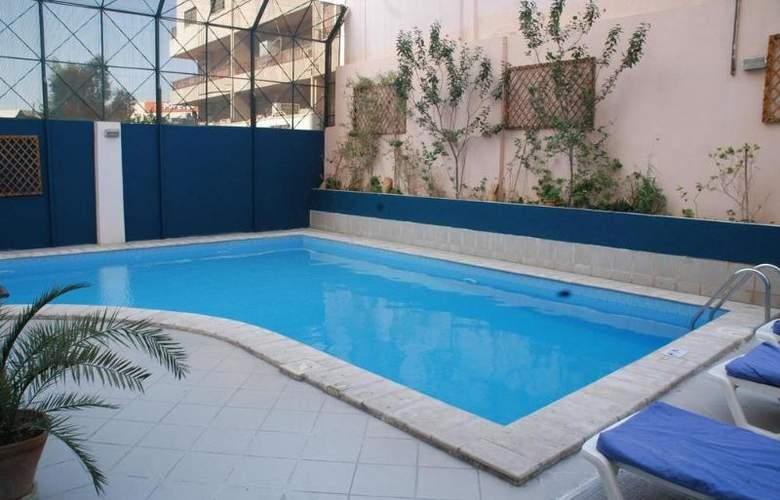 Golden Tulip Aqaba - Pool - 3