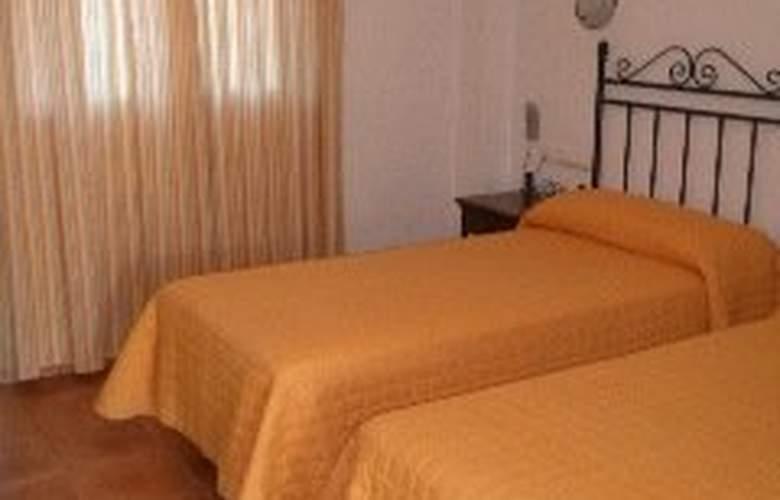 Cortijo Los Gallos - Room - 2