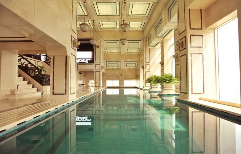 Eldora Hue - Pool - 3