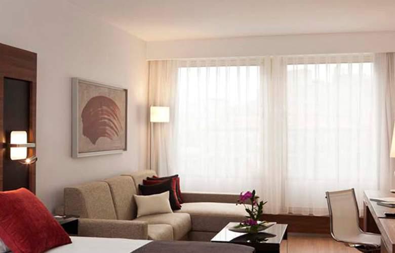 Courtyard Madrid Princesa - Room - 11