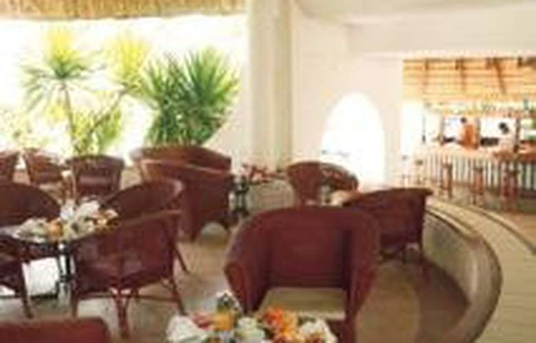 Casuarina Resort & Spa - Bar - 6