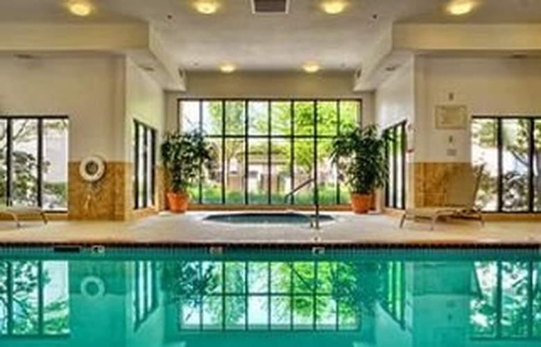 Marriott Courtyard Eugene - Pool - 6