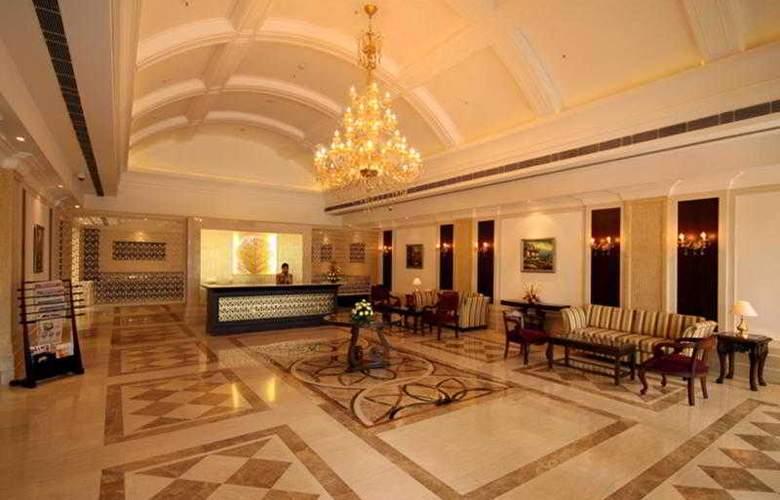 Country Inn & Suites by Carlson Delhi Satbari - Hotel - 1