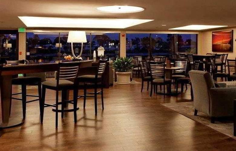 Best Western Plus Bayside Hotel - Hotel - 12
