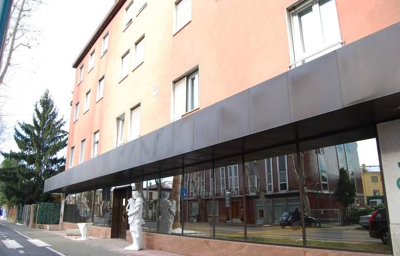 City of Art - Hotel - 0