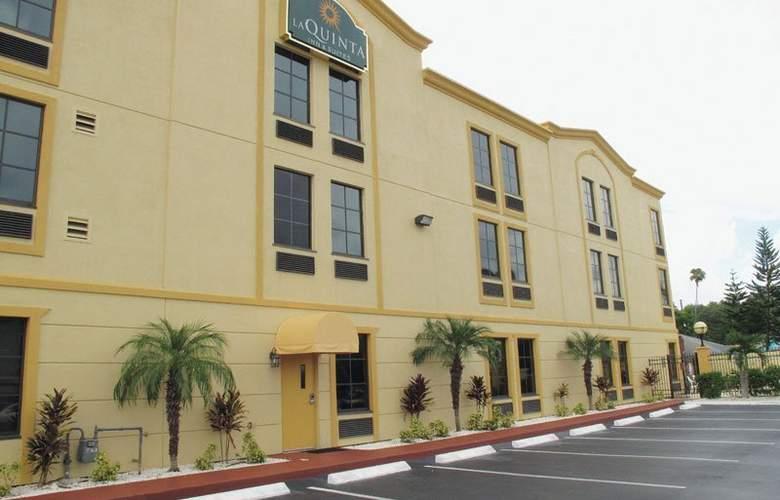 La Quinta Inn & Suites St Pete Northeast - Hotel - 0