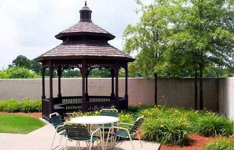 Courtyard Bentonville - Hotel - 9