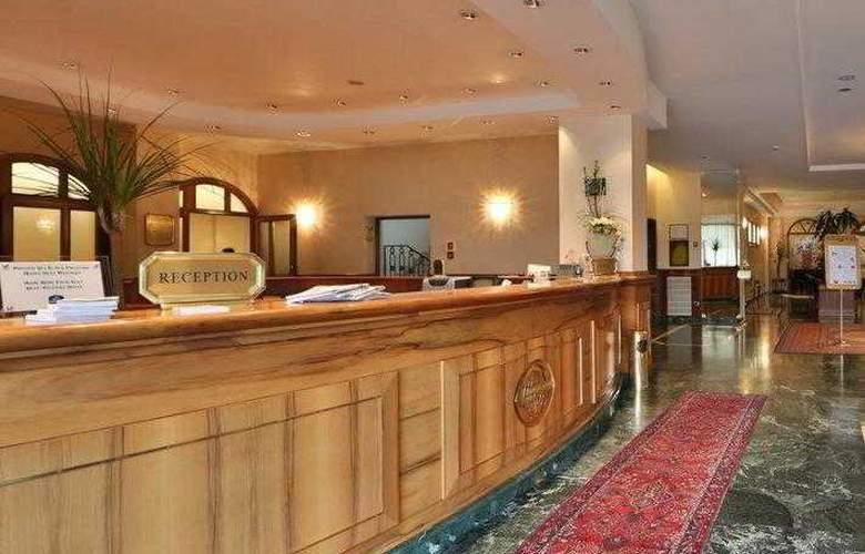Best Western Globus City - Hotel - 20