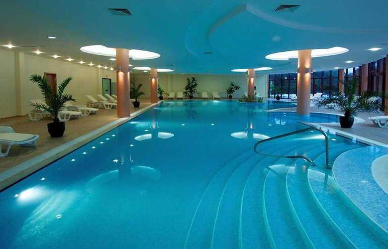 DoubleTree by Hilton Varna - Golden Sands - Pool - 6