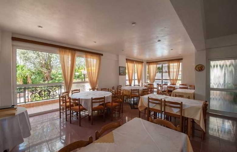 Athina - Restaurant - 19