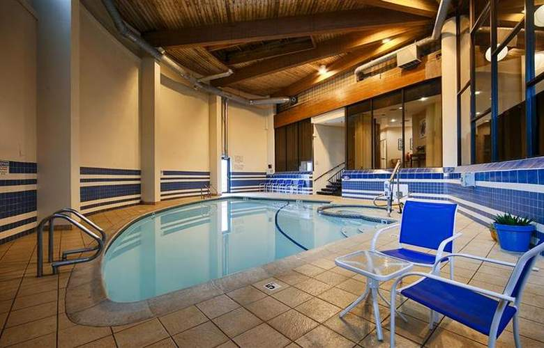 Best Western Bordentown Inn - Pool - 35