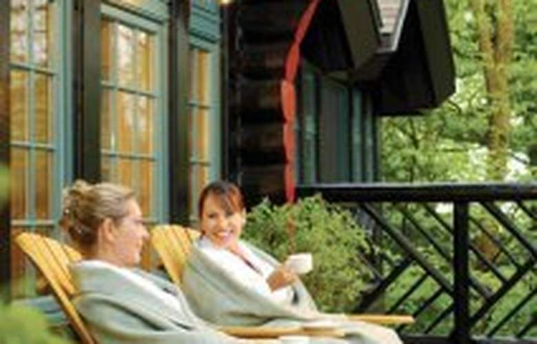 Fairmont Le Chateau Montebello - Terrace - 5