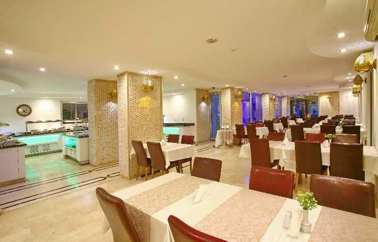 Kleopatra Celine - Restaurant - 3
