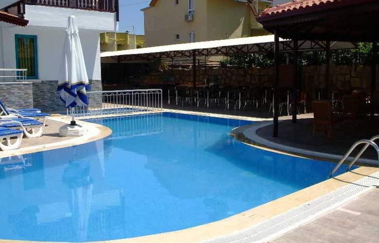 Elit Garden Apart Hotel - Pool - 5
