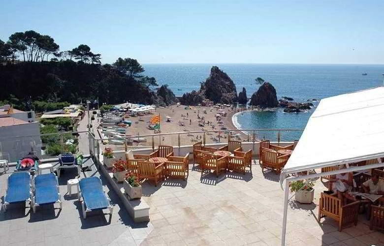 Premier Gran Hotel Reymar & Spa - Terrace - 22