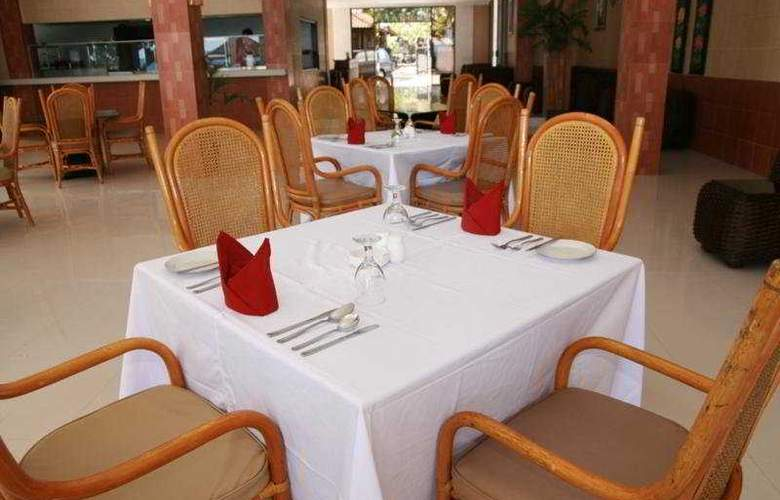 Puri Saron Baruna Beach Cottages - Restaurant - 11