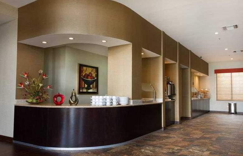 Best Western Premier Monterrey Aeropuerto - Hotel - 3