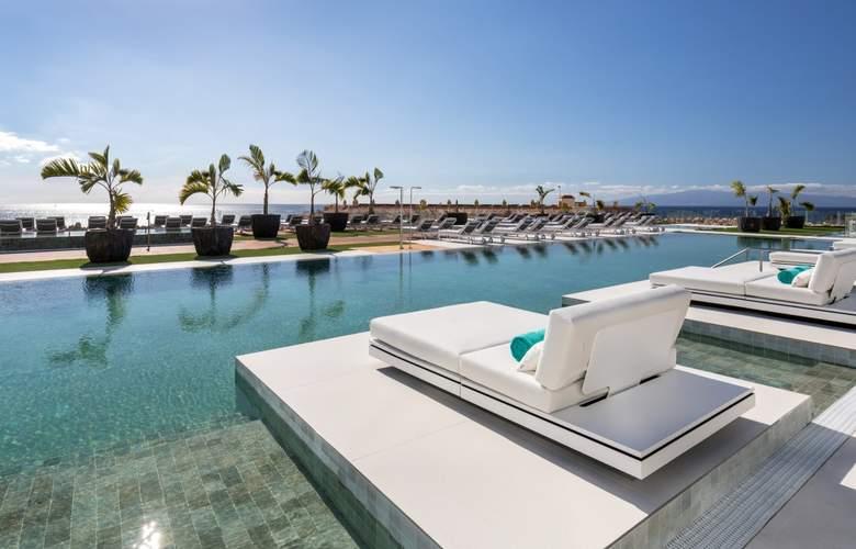Royal Hideaway Corales Suites - Pool - 3