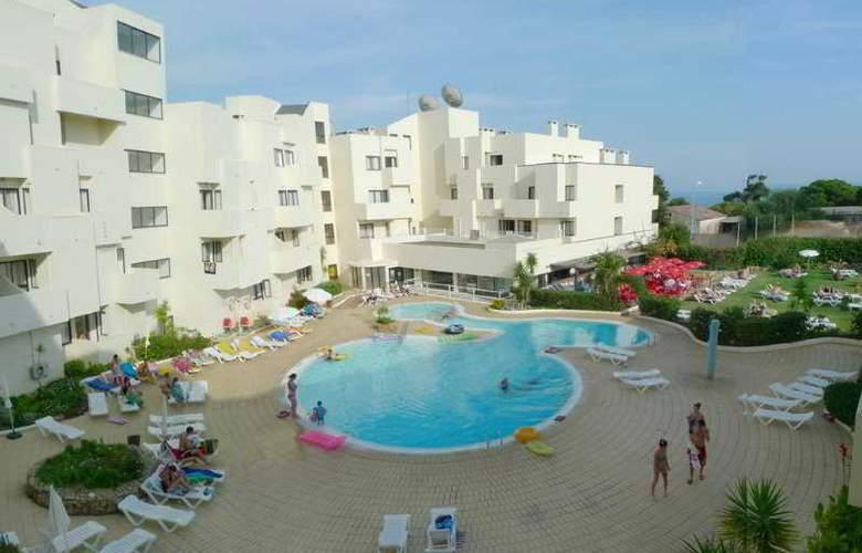 Santa Eulália Hotel Apartamento & Spa - Pool - 9