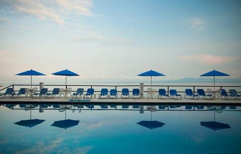 Grand Park Royal Luxury Resort Puerto Vallarta - Pool - 2