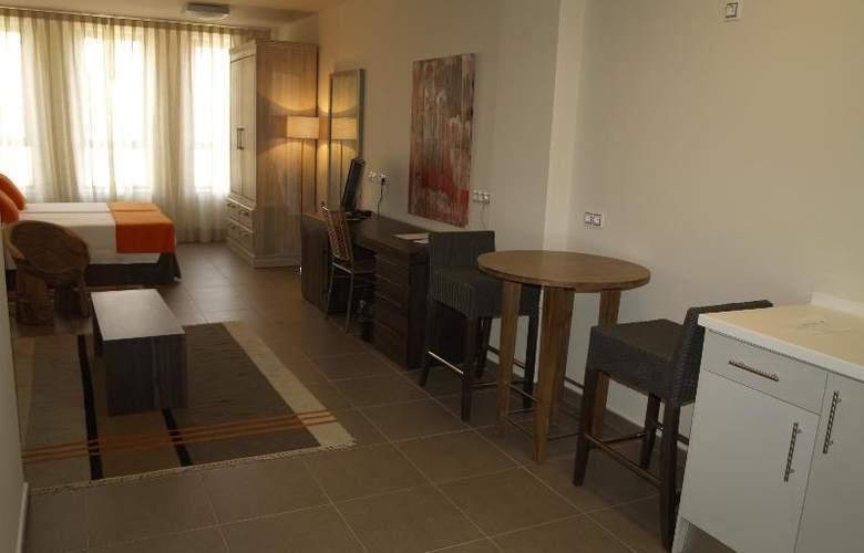 Eco Alcala Suites - Room - 10