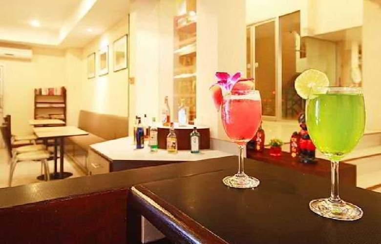Floral Shire Resort - Bar - 8