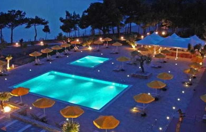 Royal Paradise Beach Resort & Spa - Pool - 1