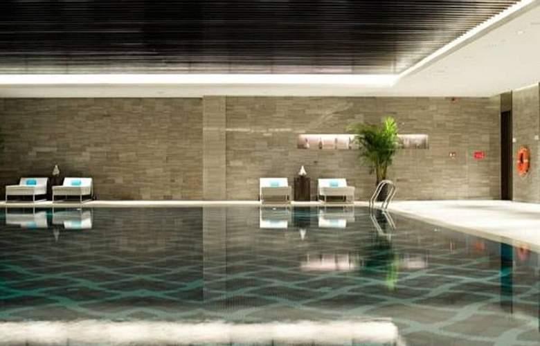 Le Meridien - Pool - 6