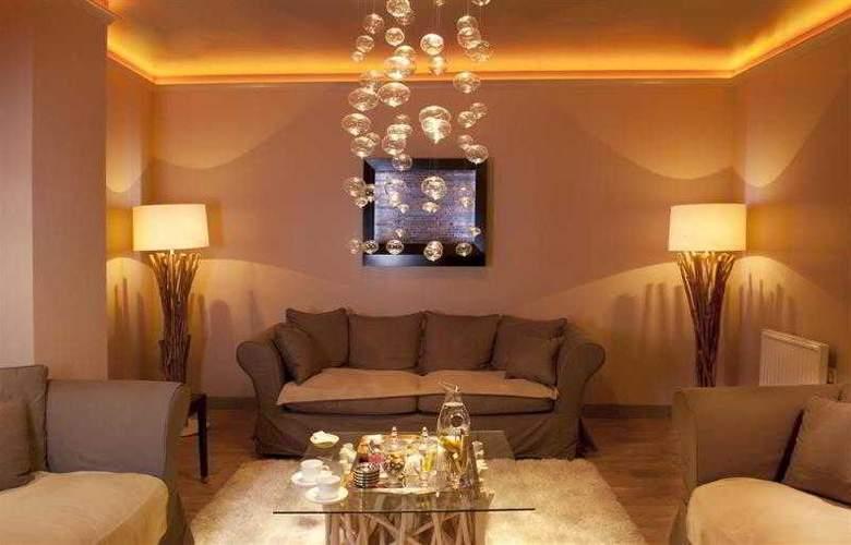 Best Western Grand Monarque - Hotel - 3
