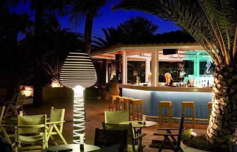 Alexandra Beach - Bar - 5