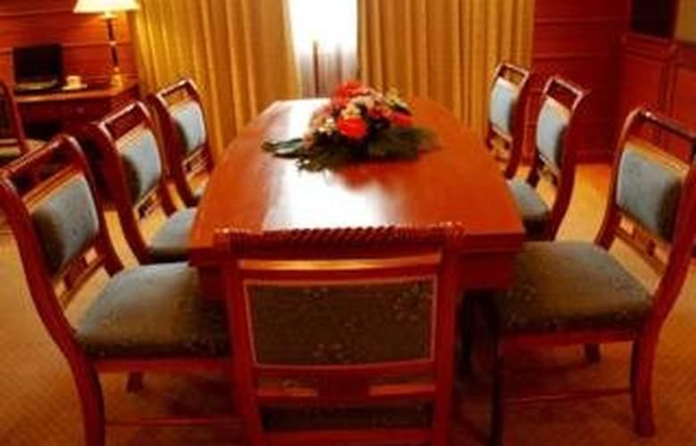 Charoen Thani Princess - Room - 5