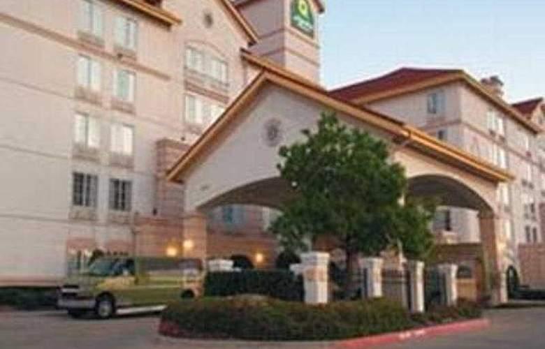 La Quinta inn & Suites DFW Airport South/Irving - General - 1