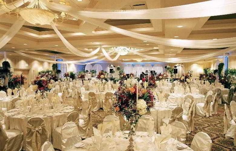 Sheraton Sand Key Resort - Hotel - 17