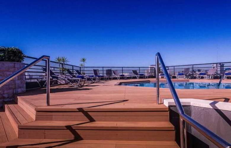 Holiday Inn Lisboa - Pool - 27