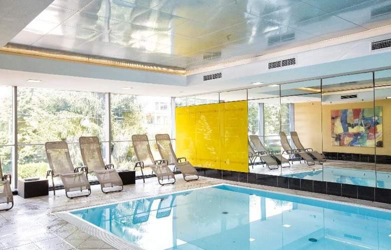 Wyndham Grand Salzburg Conference Center - Pool - 12