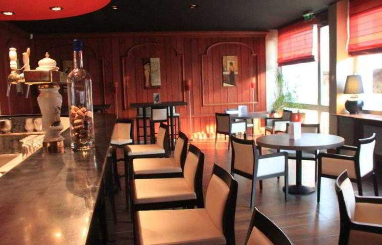 Qualys Hotel D´Alsace - Bar - 4