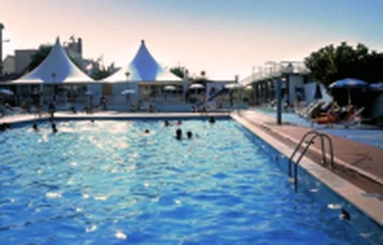 Hotel da Barra - Pool - 3