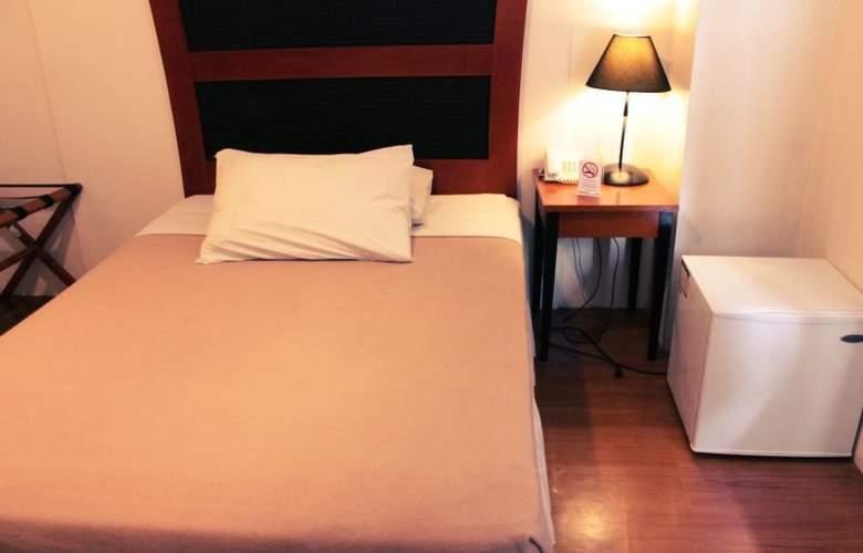 Creekside Amorsolo Hotel - Hotel - 3