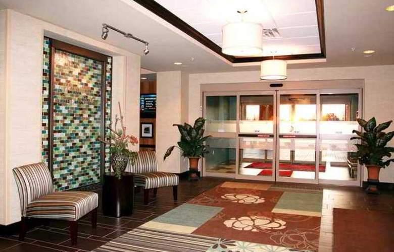 Hampton Inn and Suites Flint/Grand Blanc - Hotel - 0