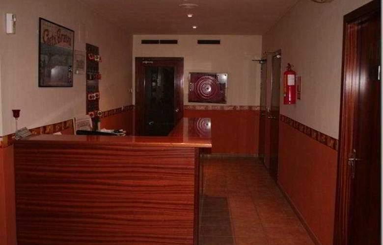Picnic - Hotel - 0