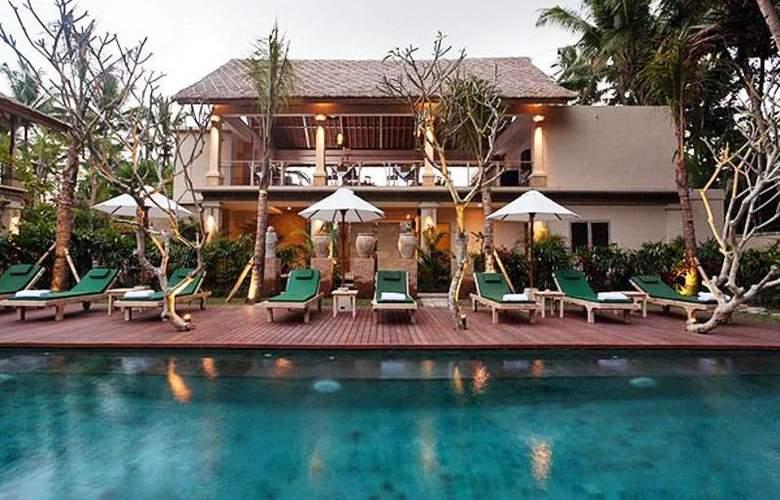 Puri Sunia Resort Bali - Pool - 9