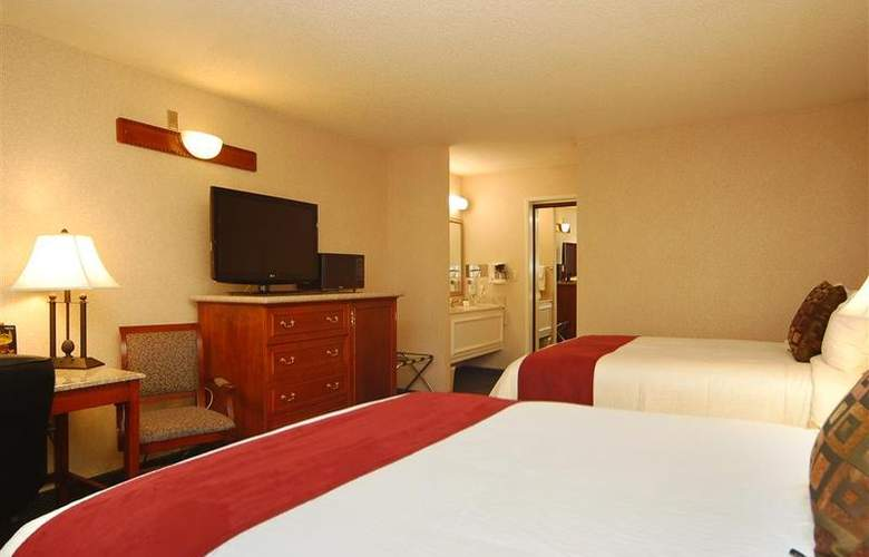 Best Western Plus Orange County Airport North - Room - 63