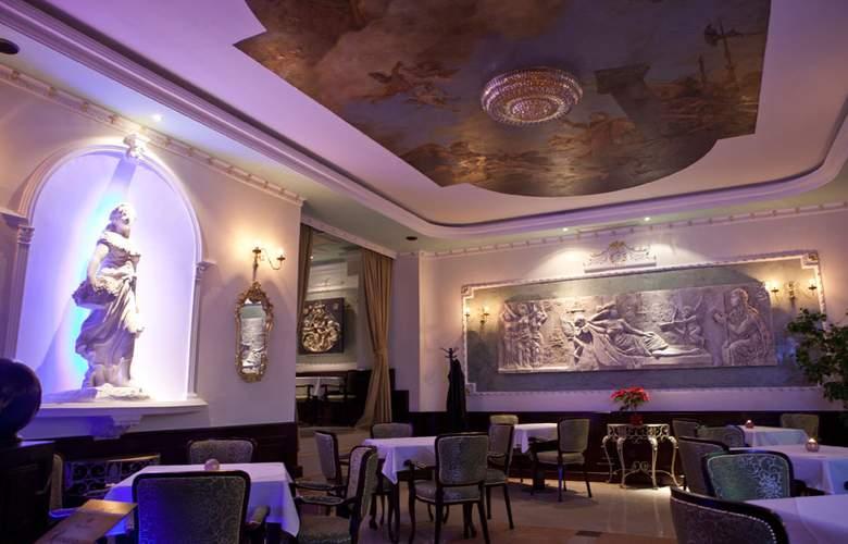 Queens Astoria Design - Restaurant - 18