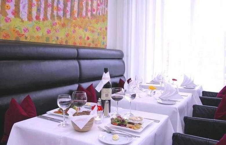 Alexander Plaza - Restaurant - 10